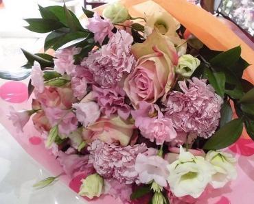 女性への誕生日の花…