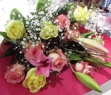 結婚記念日の花束を…